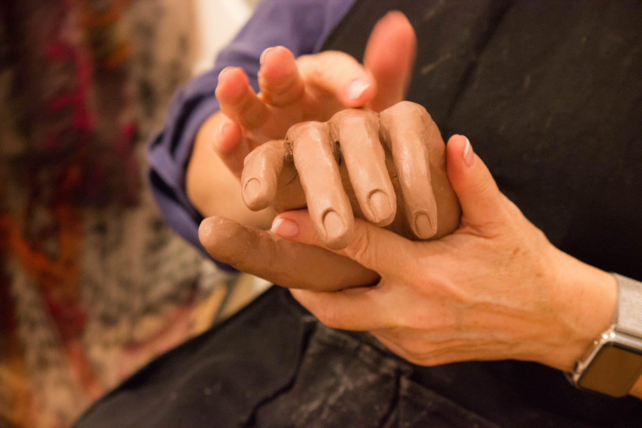 André Desjardins Retour sur atelier de sculpture -Mains